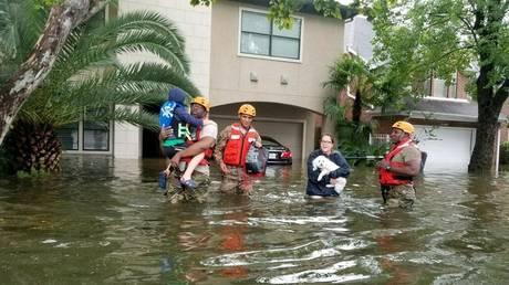 Καταιγίδα Χάρβεϊ: 6.000 κλήσεις για βοήθεια – 2.000 διασώσεις σε ένα 24ωρο