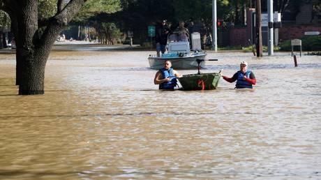 Μετά το Τέξας η Λουιζιάνα ο επόμενος «στόχος» του τυφώνα Χάρβεϊ (pics&vids)