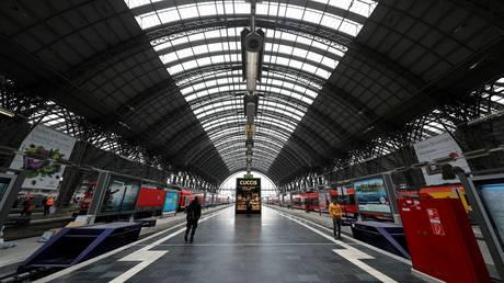 Μεταμορφώνοντας παλιούς σιδηροδρομικούς σταθμούς σε… σπίτια