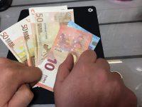 Ξεχάστε την επιστροφή φόρου! Μπλόκο από το υπουργείο Οικονομικών