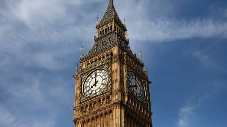 Σιωπηλή για 4 χρόνια η καμπάνα του Big Ben (pics)