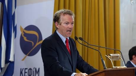 Στην Παλιά Βουλή ο γερουσιαστής Ραντ – Υπέρ της προσέλκυσης επενδύσεων στην Ελλάδα