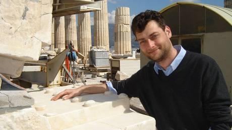Χρήστος Τσιρογιάννης, ο Έλληνας… Ιντιάνα Τζόουνς που κυνηγά κλεμμένα αρχαία ανά τον κόσμο