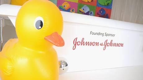 417 εκατομμύρια δολάρια καλείται να καταβάλει η Johnson & Johnson για την υπόθεση της πούδρας ταλκ