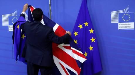 Brexit με επίκεντρο τη Βόρεια Ιρλανδία – Τι επιδιώκει το Ηνωμένο Βασίλειο