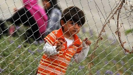Taz.Die Zeitung: Η γερμανική κυβέρνηση χωρίζει οικογένειες προσφύγων
