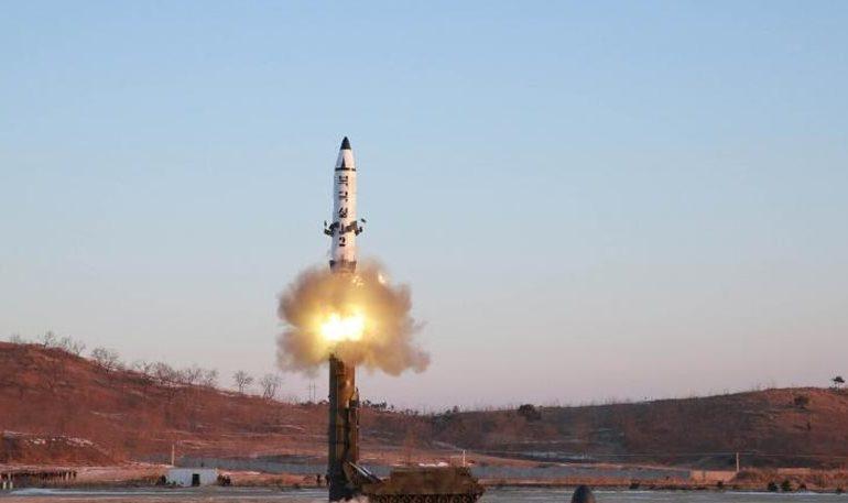 Η Βόρεια Κορέα εκτόξευσε πύραυλο που πέρασε πάνω από την Ιαπωνία