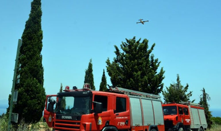 Ζάκυνθος: Ελικόπτερο εντόπισε εμπρηστές – Μεγάλη επιχείρηση για τη σύλληψή τους