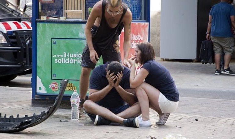 Συγκλονιστικές μαρτυρίες από τη Βαρκελώνη: Παιδιά ούρλιαζαν, ήταν μία κόλαση αίματος!