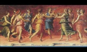 9 κορίτσια από τον Τάκη Αντωνιάδη video και στίχοι. Η ιστορία για τον Ελικώνα.