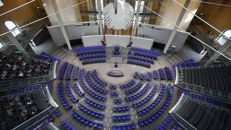 «Γρίφος» ο σχηματισμός γερμανικής κυβέρνησης – Πιέσεις για μετακίνηση Σόιμπλε