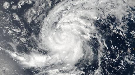 Αναβάθμιση της τροπικής καταιγίδας Ίρμα σε τυφώνα κατηγορίας 5