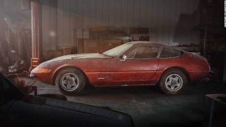 Βρήκαν μία σπάνια Ferrari Daytona σε… στάβλο της Ιαπωνίας