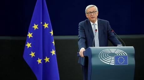 Γιούνκερ:Η ευρωζώνη να αποκτήσει δικό της υπουργό Οικονομικών