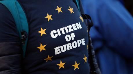 Εργατικοί βουλευτές: Η Βρετανία πρέπει να παραμείνει στην ενιαία αγορά της ΕΕ μετά το Brexit