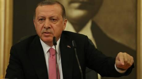 Ερντογάν: Μετά τους S-400 εξετάζει και την απόκτηση βαλλιστικών πυραύλων