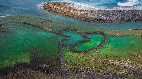 Η ιστορία αυτής της διπλής καρδιάς στην Ταϊβάν δεν είναι τόσο ρομαντική όσο μπορεί να φαντάζεστε
