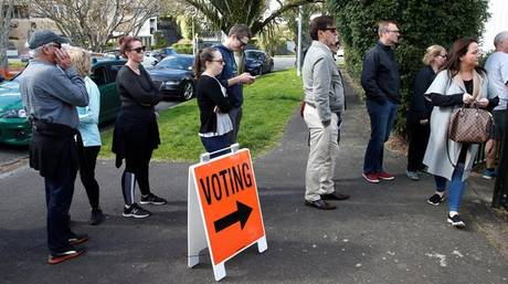 Νέα Ζηλανδία: Ο εθνικιστής Ουίνστον Πίτερς, ρυθμιστής της νέας κυβέρνησης