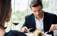 Οι τροφές που επηρεάζουν τη μυρωδιά ενός άντρα