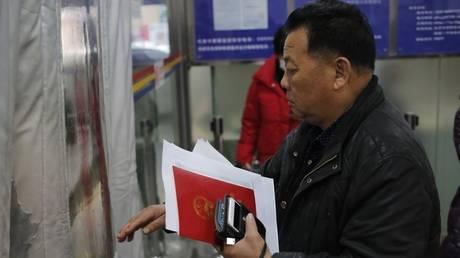 Πέρνα το τεστ για να χωρίσεις: Ο Κινέζος δικαστής που πρωτοτυπεί (pics)