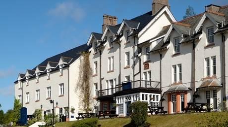 Παππούδες εκτός ελέγχου προκάλεσαν πανικό σε ξενοδοχείο στη Βρετανία