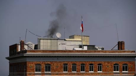 Σαν Φρανσίσκο: Μαύρος καπνός στο ρωσικό προξενείο (pic)