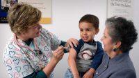 Συστάσεις του Υπουργείου Υγείας για άμεσο εμβολιασμό για ιλαρά ερυθρά παρωτίτιδα