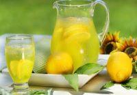 Τι πρέπει να προσέχουμε πίνοντας χυμό από λεμόνι – λεμονάδα