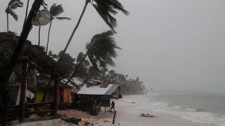 Τουλάχιστον 15 οι νεκροί από τον κυκλώνα Μαρία – Καταστράφηκε και το σπίτι του πρωθυπουργού