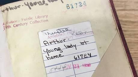 Bιβλίο επεστράφη σε βιβλιοθήκη έπειτα από σχεδόν… 80 χρόνια (pics)