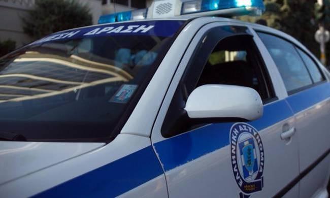 Ένοπλοι άρπαξαν υπηρεσιακό αυτοκίνητο από αστυνομικό στο Παλαιό Φάληρο