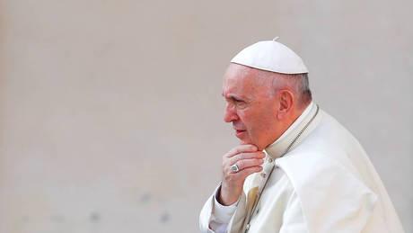 «Μερικές φορές όταν προσεύχομαι… κοιμάμαι», παραδέχθηκε ο Πάπας Φραγκίσκος