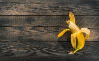 Γιατί δεν πρέπει να πετάμε τις «κλωστές» από τις μπανάνες