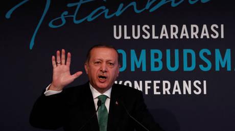 Ερντογάν: Λυπηρή η απόφαση των ΗΠΑ για την αναστολή έκδοσης βίζας