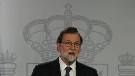 Ισπανία: Ο Ραχόι δεν αποκλείει αναστολή της αυτονομίας της Καταλονίας