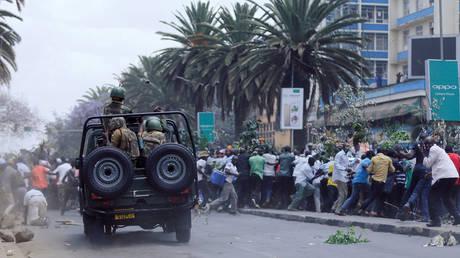 Κένυα: Λιθοβόλησαν μέχρι θανάτου φερόμενο ως δράστη φονικής επίθεσης σε λύκειο