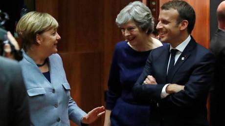 Μακρόν και Μέρκελ «καρφώνουν» τη Βρετανία για το Brexit