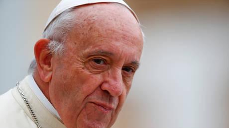 Ο Πάπας Φραγκίσκος ξεσπά για το δράμα των παιδιών Ροχίνγκια: Δεν έχουν τι να φάνε