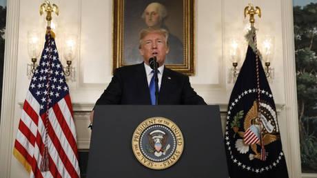 Ο Τραμπ δεν επικυρώνει εκ νέου τη συμφωνία για το πυρηνικό πρόγραμμα του Ιράν