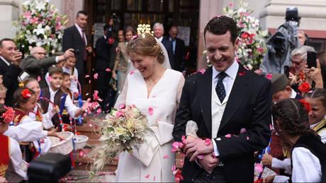 Ο έκπτωτος και η «κοινή θνητή»: Ο γάμος που κέντρισε το ενδιαφέρον στο Βελιγράδι (pics)
