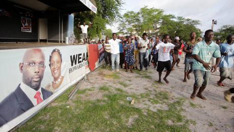 Ο πρώην ποδοσφαιριστής Γουεά επικράτησε στον πρώτο γύρο των προεδρικών εκλογών της Λιβερίας