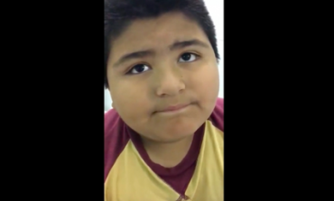 Παιδί κατάπιε εξάρτημα καραμούζας και αντί να μιλάει... κορνάρει (vid)