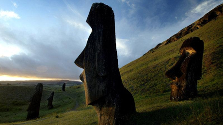 Περιπλέκεται το μυστήριο με τους πρώτους κατοίκους στο Νησί του Πάσχα