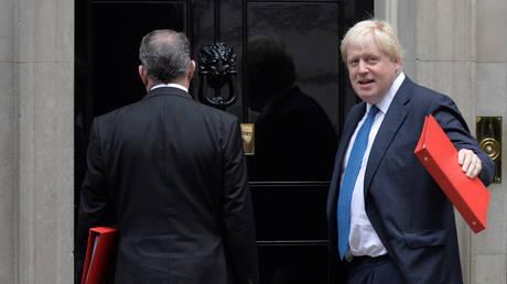 Τζόνσον: Να είμαστε έτοιμοι για την πιθανότητα να μην υπάρξει συμφωνία για το Brexit