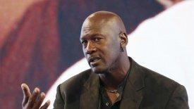 Τζόρνταν: «Δυο σούπερ ομάδες και 28 σκουπίδια στο NBA»