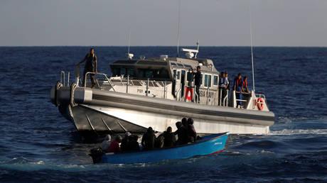 Τυνησία: 100 πρόσφυγες διέσωσε το Πολεμικό Ναυτικό