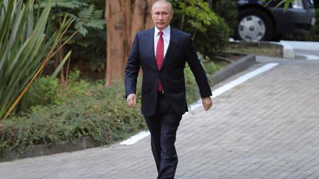 Έκκληση Πούτιν σε όλες τις χώρες να καταστρέψουν τα χημικά τους όπλα
