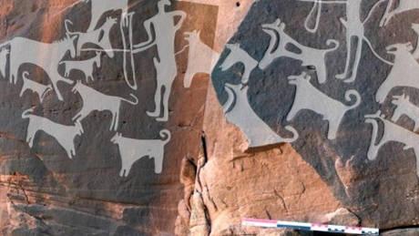 Ανακαλύφθηκαν οι αρχαιότερες απεικονίσεις σκύλων…ορισμένοι φοράνε λουρί (pic+vid)