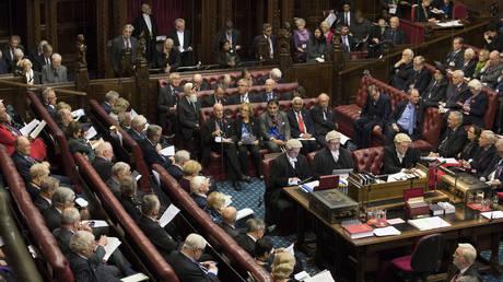 Βρετανία: Ένταση στο κοινοβούλιο για την ώρα εξόδου από την Ε.Ε.