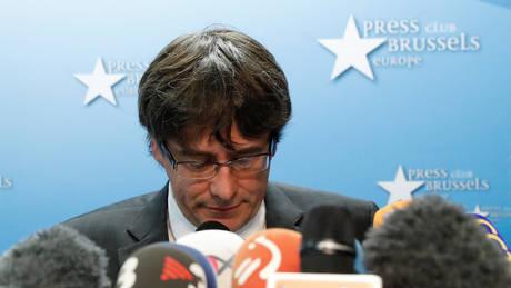 Εκδόθηκε ευρωπαϊκό ένταλμα σύλληψης σε βάρος του Πουτζντεμόν και τεσσάρων πρώην υπουργών της Καταλονίας